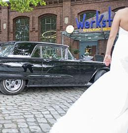 Hochzeit - Braut vor der Tür - Maxi Gastro, die Gastronomie im Maxipark Hamm.